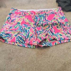 EUC Lilly Pulitzer shorts size 8